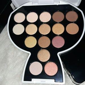 Karl Lagerfeld+ModelCo eyeshadow palette Warm/nude